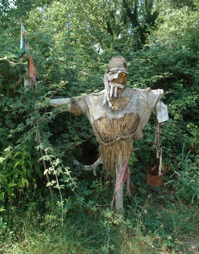 scarecrow inspired by ancient roman scarecrows