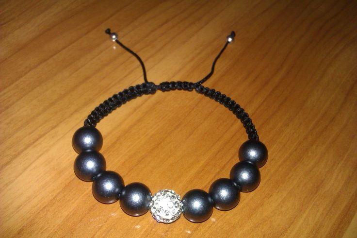 Black macrame bracelet by CC Bracelets