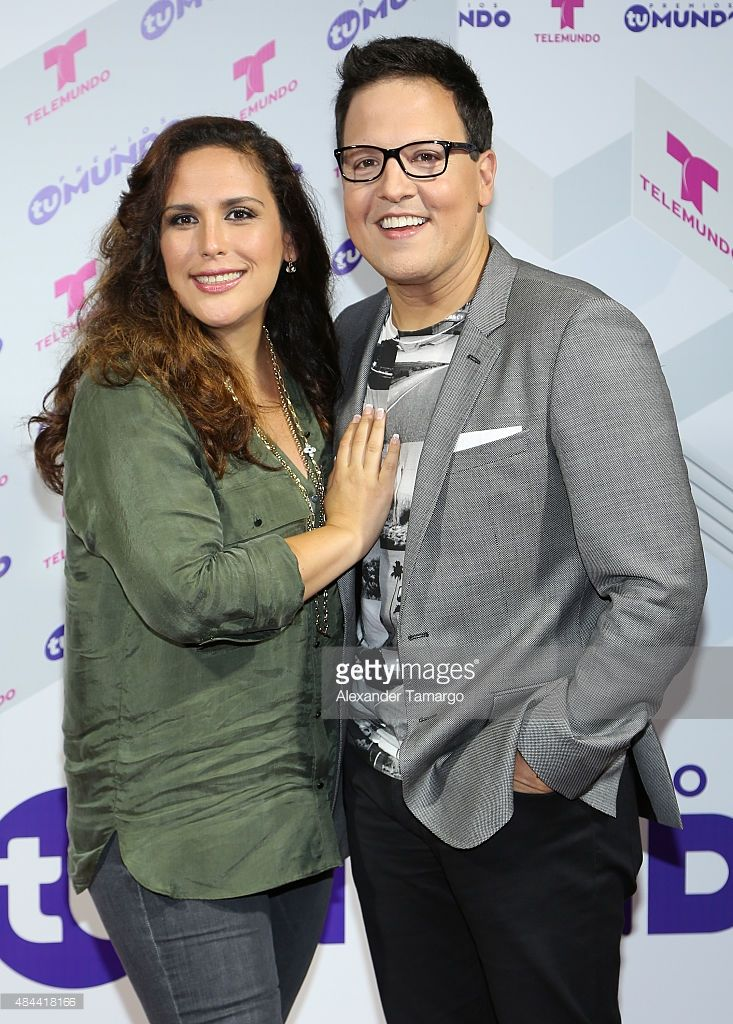 Angelica Vale and Raul Gonzalez pose at the Premios Tu Mundo press conference at American Airlines Arena on August 18, 2015 in Miami, Florida.