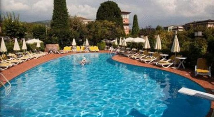 Hotel Villa Mulino Garda Hotel Villa Mulino is a built on an old watermill, just 500 metres away from Lake Garda. An outdoor pool, extensive gardens and an on-site restaurant are available here.