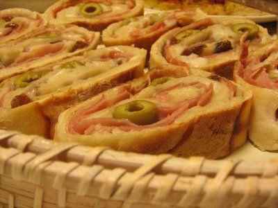 As Minhas Receitas: Pão com Presunto, Fiambre, Queijo, Azeitonas e Passas