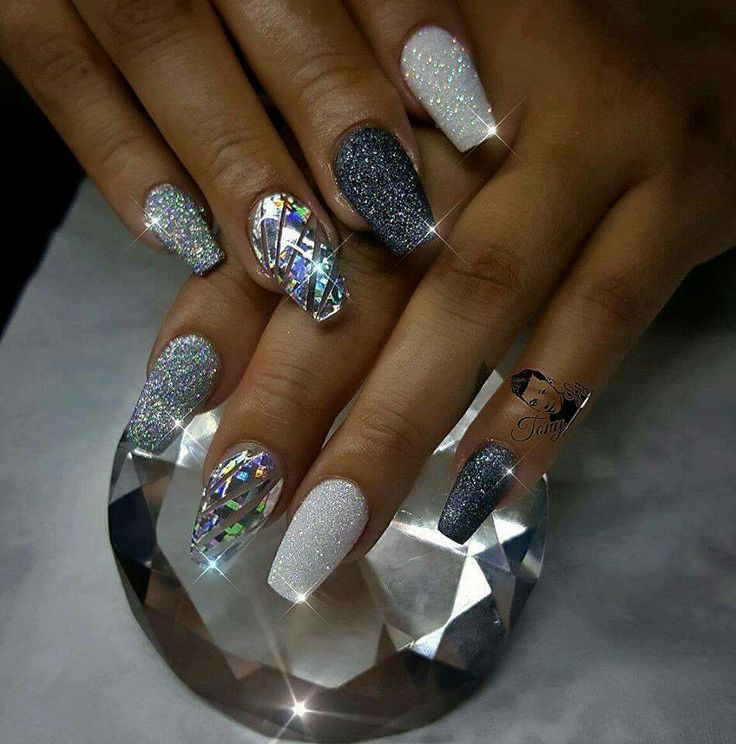 Need these nails in my life...