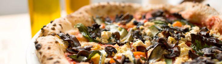 Pizza végétalienne et bacon de champignons (Piena di verdure) par Nina Pizza - di Stasio - Téléquébec