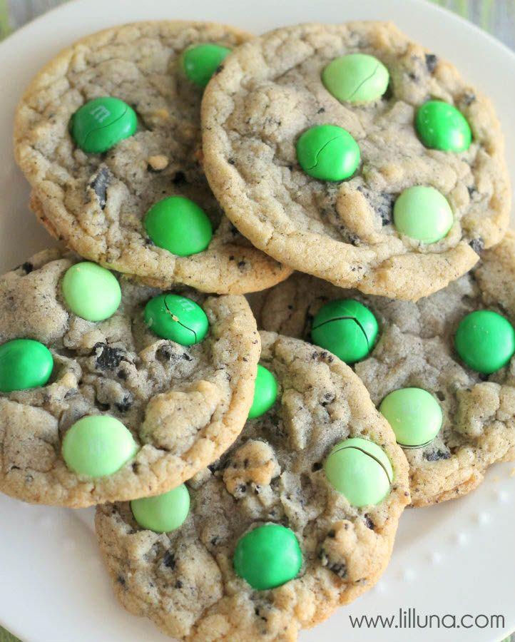 Mint M&M Oreo Cookies - YUMMY!