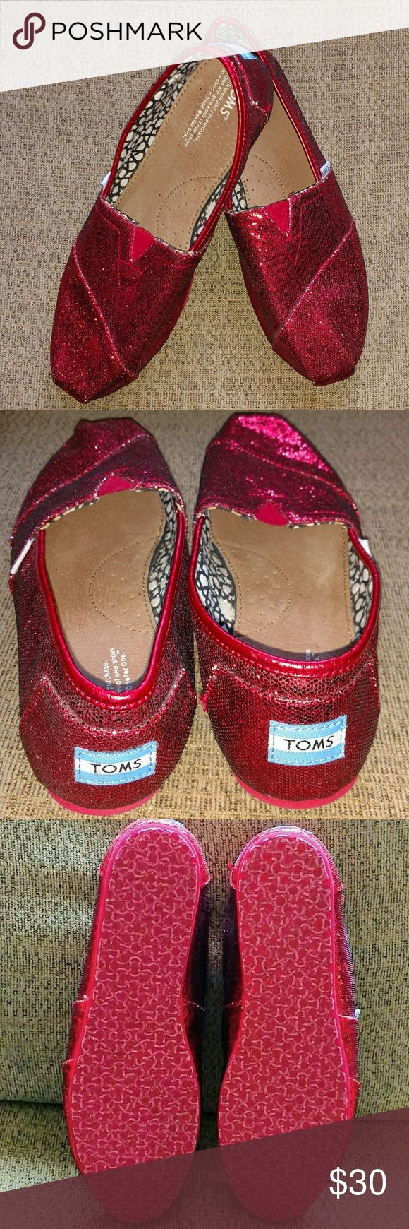 Red glitter toms Beautiful Red glitter Tom's like new TOMS Shoes Flats & Loafers
