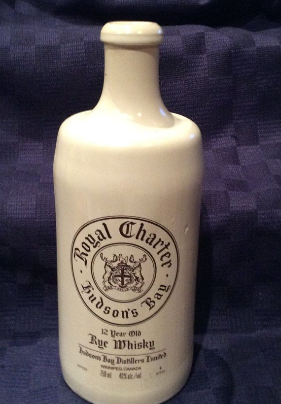 Vintage collectible Royal Charter HUDSONS BAY 12 Year Old Rye Whiskey Bottle (empty), vintage 1971. Made by the Hudsons Bay Distillers Limited