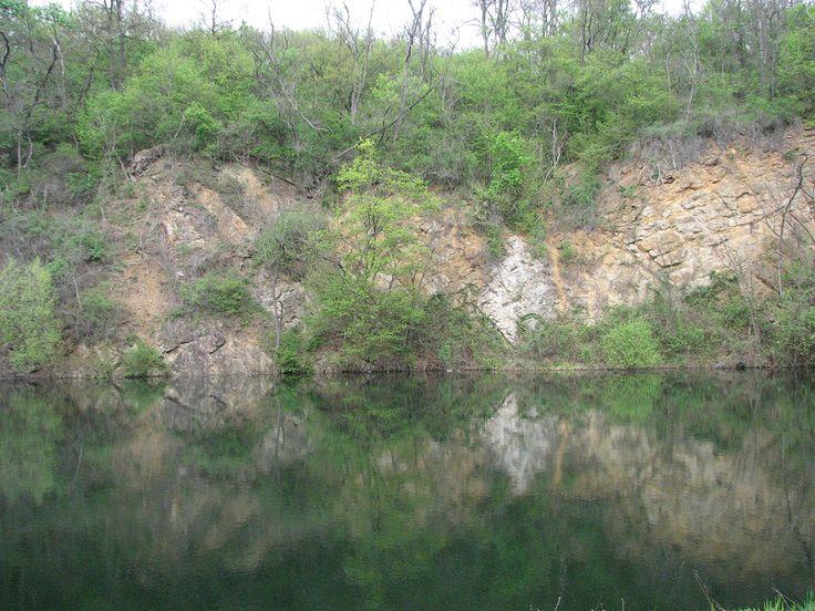 Apci tengeszem (Széles-kő bányató, andezitkőfejtő) (Apc közelében 1.9 km) http://www.turabazis.hu/latnivalok_ismerteto_4794 #latnivalo #apc #turabazis #hungary #magyarorszag #travel #tura #turista #kirandulas
