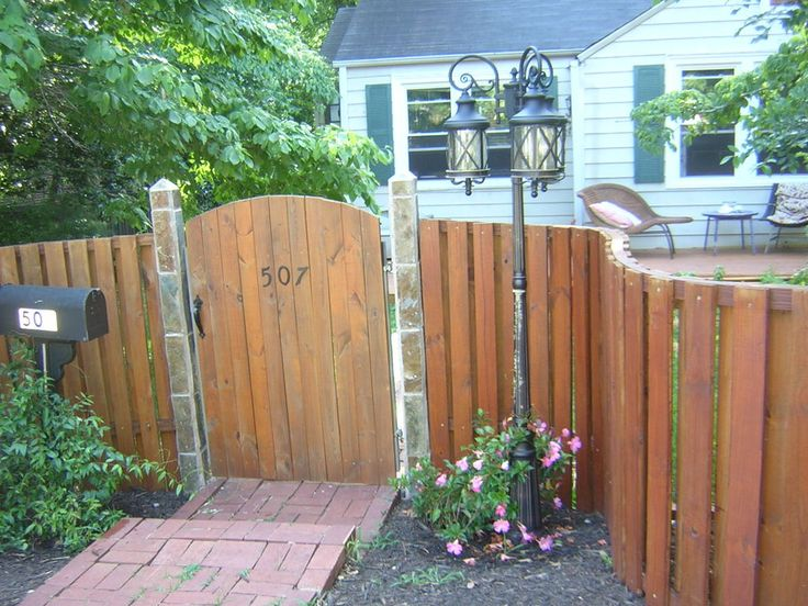 Build A Curved Wooden Fence Search Wooden Fences And