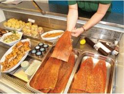 Et annet godt sted å stoppe på vei til fagernes er villfisken - www.villfisken.no. Her får en innlandsfisk av beste sort, prøv gjeddekakene!!