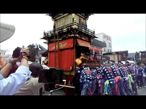 犬山祭の山車巡行