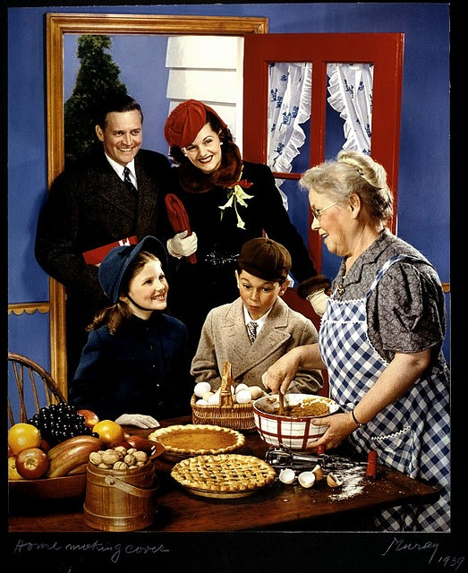 A heartwarming holiday scene from 1939 that looks as though it could have been plucked straight from a Norman Rockwell painting. #Christmas #1930s #thirties #family #photo #vintage #holidays #grandma #food