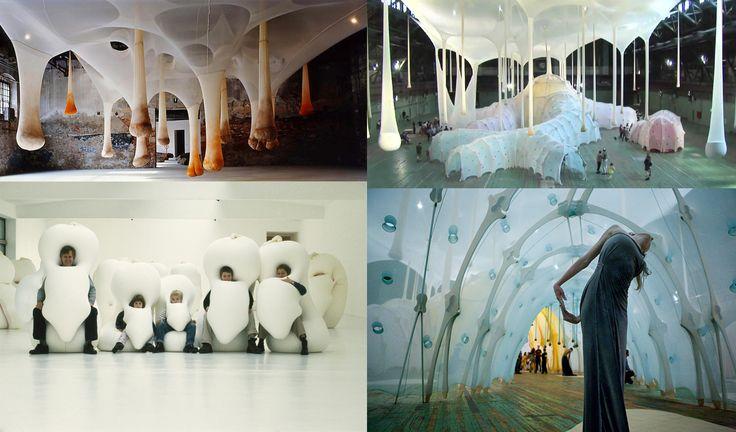 """Ernesto Neto - Le sue opere sono installazioni astratte, che spesso invadono l'intero spazio espositivo, realizzate con materiali e forme che evocano il mondo organico. L'obiettivo dell'artista è quello di abbattere le distanze tra il visitatore e l'opera d'arte, dando vita a un'esperienza quasi mistica attraverso la scoperta del """"respiro vitale"""". Crea """"un'arte che ci mostra il limite, inteso come luogo di sensazioni e di scambio."""""""