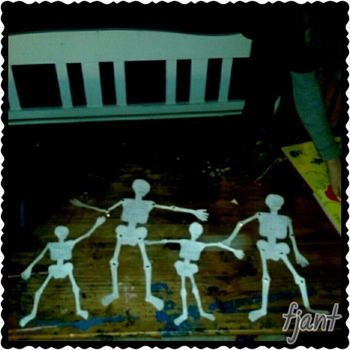 skapa, lek och lär: Kroppen -skelettet