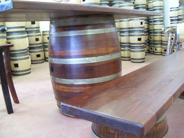 1266 - #Tavolo da #birreria e #osteria da 2 metri con #panca a corredo o #sgabelli treppiede e a #botte. Tel.0547 310171