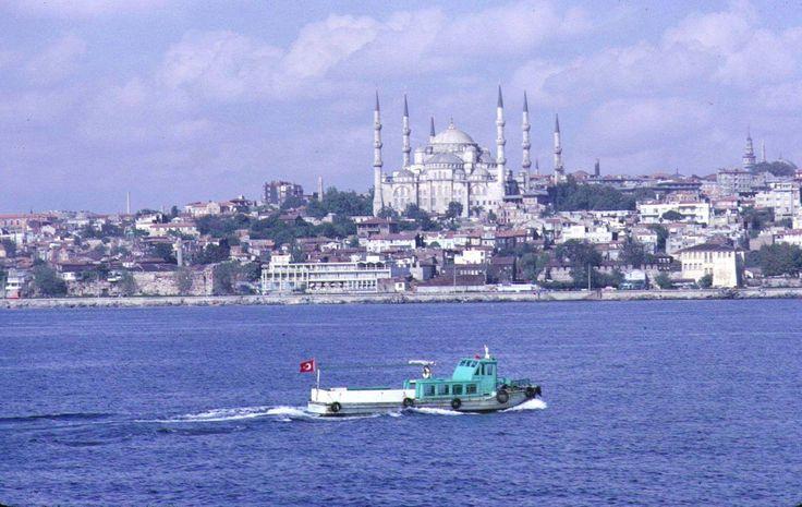 Denizden Tarihi Yarımada ve Sultan Ahmet Camii / 1967 http://ift.tt/2fObGWB