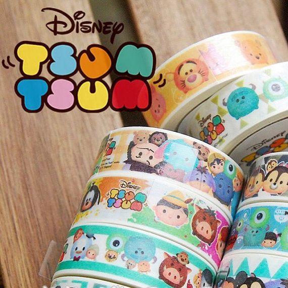 DESCRIPTION DE LOBJET  Article: Disney Tsum Tsum ruban adhésif. Contenu: Un rouleau de ruban adhésif Tsum Tsum Matière : Adhésif Taille: 1,5 cm x 500 cm (environ 0.6 x 196,9) Condition : Tout neuf  PLUS DINFORMATIONS  10 modèles au choix !  Ceux-ci sont sous licence article papeterie Disney de Taiwan.   SUR LAUTOCOLLANT  Nous imprimons sur haute qualité, autocollant papier offset, papier ou une feuille.