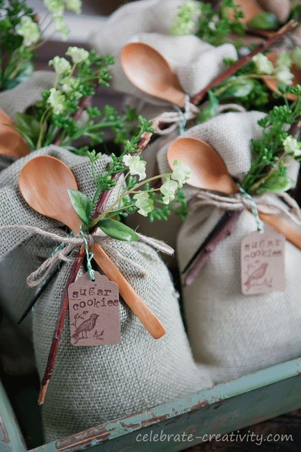 Cute Odea for Country Wedding Invites.