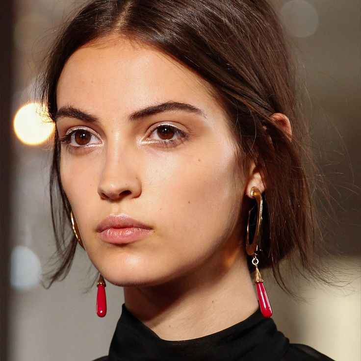 Makeup Tip: Use white eye pencil, to outline the areas of your eyes which you want to: (highlight, bring focus, make it looking bigger). Valentino Haute Couture designed by Pierpaolo Piccioli.