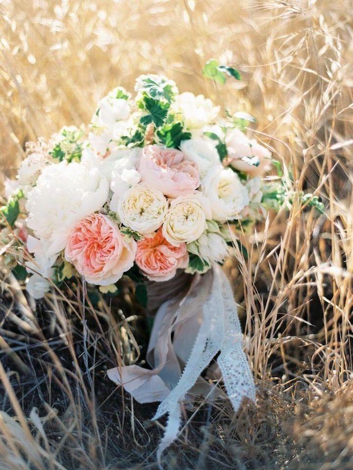 21 Blush flower wedding bouquets | Wedding Bouquet Inspiration
