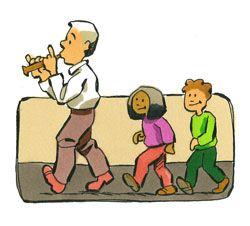 * Slangenbezweerder! Laat de kinderen als slangen op de grond gaan liggen. Ga zelf op de grond zitten. Wanneer u begint te fluiten staan de kinderen op en beginnen door de ruimte te bewegen. Stop je met fluiten dan zakken de kinderen weer in elkaar!