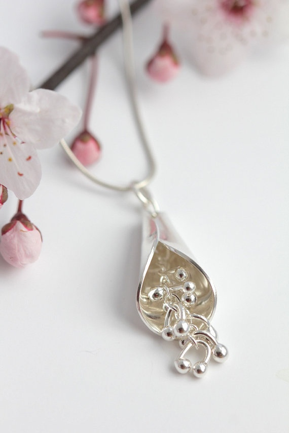Beautiful organic sterling silver kinetic pendant by noritadesigns, $72.00