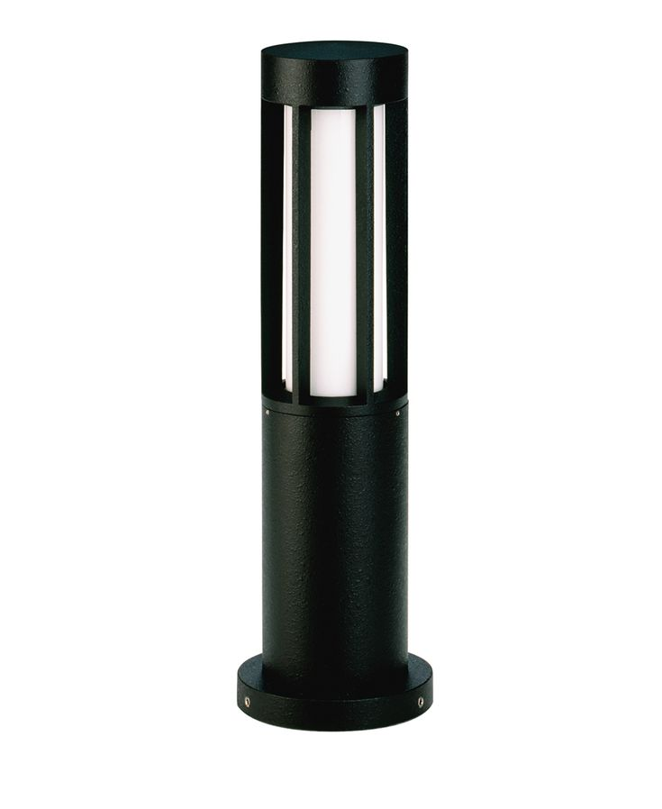 Rustikal, einfach, abgerundet – mit seiner Sockelleuchte 0507 hat HerstellerAlbert ein weiteres Qualitätsprodukt im Angebot, das aus robustem, eloxiertem Aluminiumguss besteht und das mit einem Opalglas aufgewertet wird. Durch dieses Opalglas wird das Licht weich, diffus und blen...