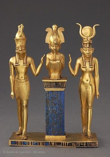 Colgante con el nombre del rey Osorkon II: La familia del dios Osiris, tercer período intermedio, vigésimo segunda dinastía, reinado de Osorkon II (874-850 aC)