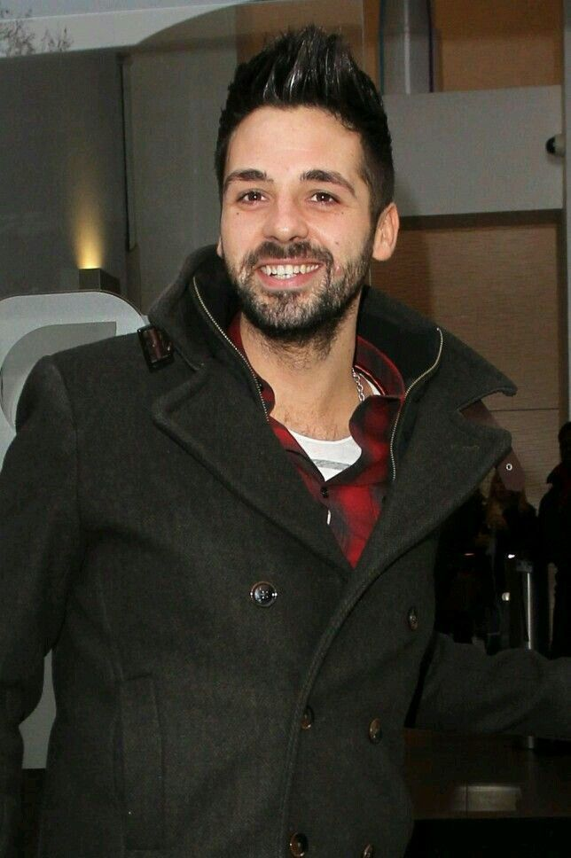 #XFactor winner #BenHaenow can't believe his luck signing to #SimonCowell's label.   X Factor winner Ben Haenow talks about writing his debut album and signing to Simon Cowell's record label  Posted on: Wednesday 28th January 2015, 06:03 AM  Source: CI4TKS™ - The Ticket Search Engine! www.EntertaimmentNe.ws   Author: Click It 4 Tickets  Buy tickets online at www.clickit4tickets.co.uk/music