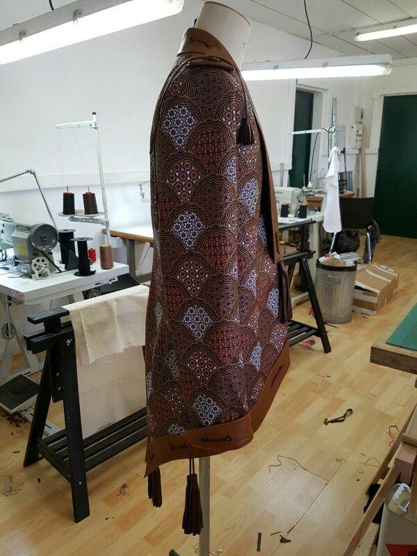 Collection wazal couture 2016/2017  Appelé ova Tété  Matières wax et cuir d'agneau  Inspiré d'une sébago docksides