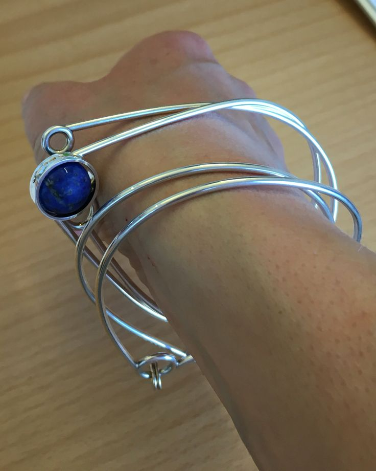 Do like Anna-Lena, mix and match your Bubbles & Balloons armband! Here three Classic and a blue Rock! www.lamette.se