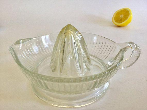Glass Citrus Juicer Clear Glass Ribbed Juicer Reamer Vintage Juicer Hand Juicer Kitchen Tool Vintage Kitchen Decor Vintage Kitchen Table Vintage Kitchen