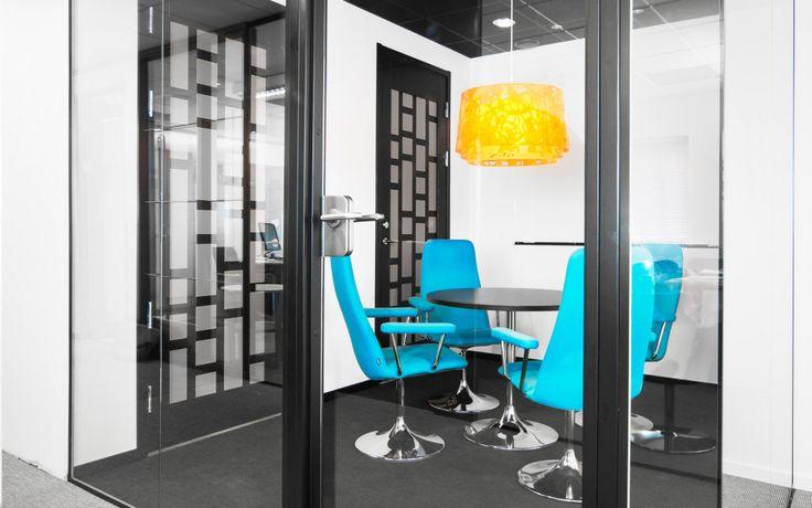 FLEX GLASSDOOR -W och FLEX GLASSLINE En dörrlösning som uppfyller ljus- och designkrav.