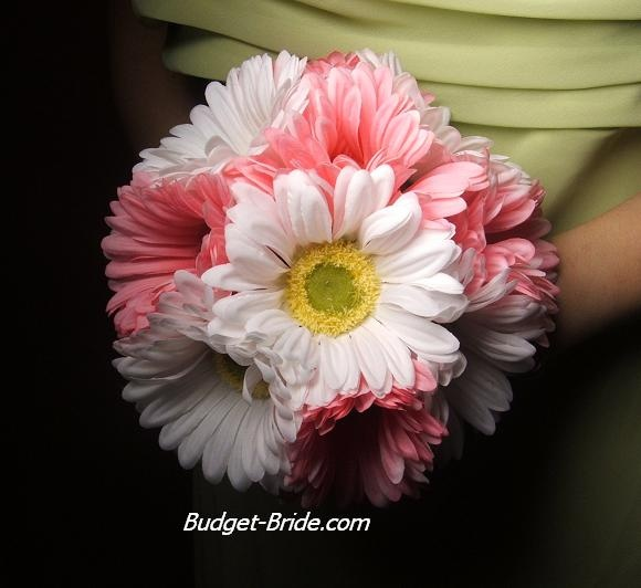 so cute maybe something i do for my bridesmaids flowers! thoughts?