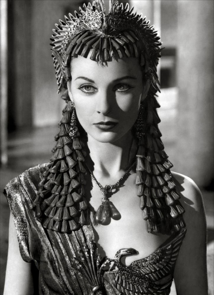 """gdfalksen: """" Headdress designed by Oliver Messel for Vivien Leigh in Caesar and Cleopatra (1945) From the V&A """""""