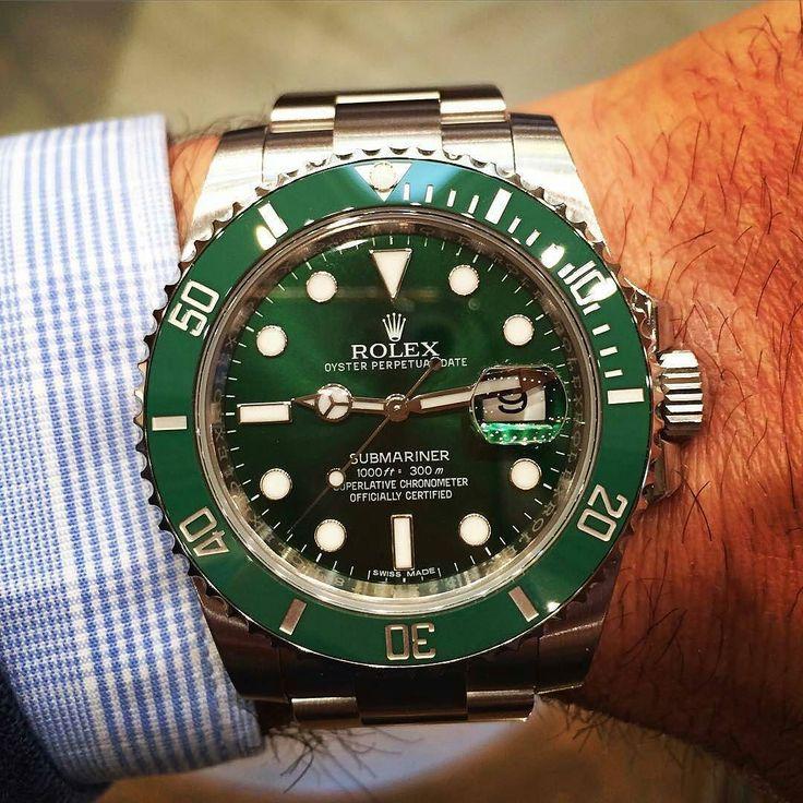 El exclusivo Rolex Submariner verde en nuestra tienda. #joyeriagordillo #cadiz #igerscadiz #compras #gordillo #cadizcentro #joyas #shopping #showroom #diamantes #rosegold #jewellery #rolex #submariner #datejust #watch #watchmaker #reloj #relojes #relojesespeciales by joyeriagordillo #rolex #submariner
