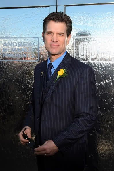 chris isaak marriage | Chris Isaak is a good, good thing for the ladies