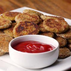 Veggie Nuggets: 3Möhren, 1/2 Blumenkohl, 1 Brokolie, 1 Ei, Tasse Paniermehl