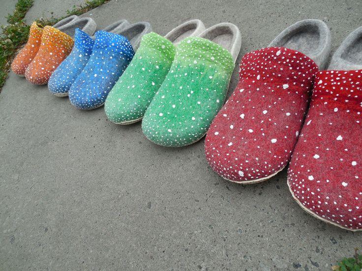 Valentyna Kostetska. Boots. Slips. Shoes. Wool. Felting. Мухоморы. Тапочки шерсть валяние войлок вовна. Туфли валяные войлочные kostetska.com