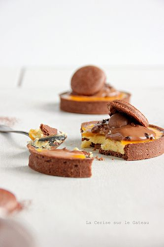 Chocolate - passion fruit tartlette