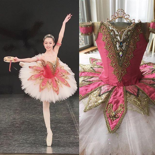 b8044728f65218 エスメラルダのお衣装 5年前の作品です。ライトに当たると✨浮き出るようなピンクです。 #ballet #esmeralda #tutu  #handmade #オーダーメイド #バレエコンクール ...