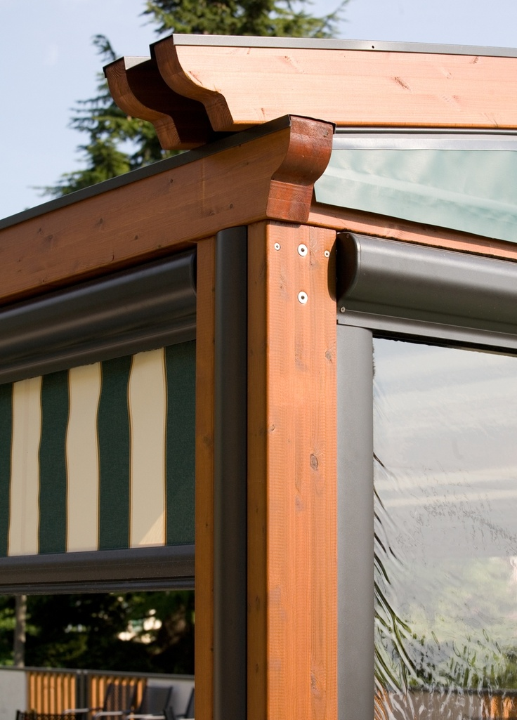 Pergole, pergole retractabile cu structura lemn Med Elite Gibus pentru acoperire si inchidere terase. Detaliu exterior pergole lemn Elite.