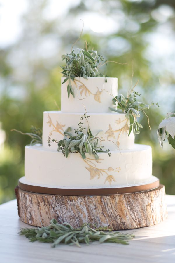 intimate wedding cakes intimate coastal big sur wedding once wed wedding cake 16469