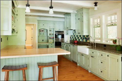 10 Kitchen Decor Ideas For Your Mobile Home Rental: Mint Green Kitchen Cabinets