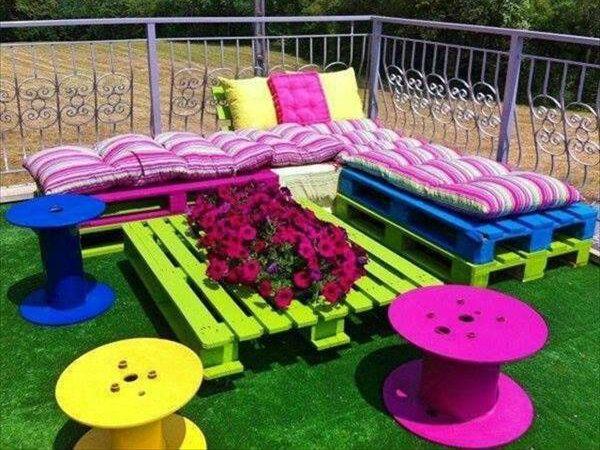 Garden Furniture Out Of Pallets best 25+ outdoor pallet seating ideas on pinterest | diy garden