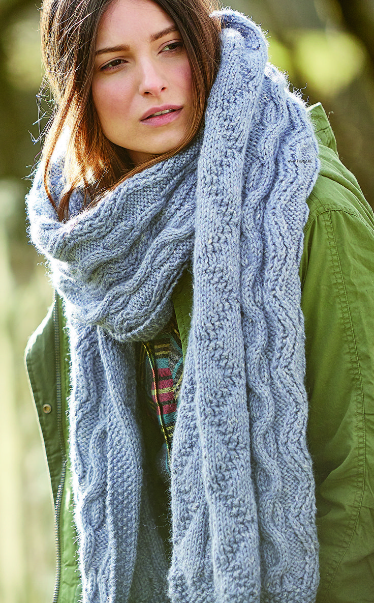 Breien. Deze sjaal maak je met de Rowan Hemp Tweed Chunky. (ca. 51 1/2 cm breed en 220 cm lang) Een mengsel van 75% wol en 25% hennep, resulterend in een moderne tweed effect, zacht garen dat een genot is om mee te breien. De isolerende eigenschappen zijn prachtig - het is cool om te dragen bij warm weer en is warm op koelere dagen. Norse Scarf 3kopie.jpg