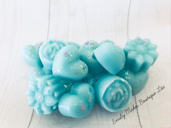 Emily Makes ... Limited Edition - Morning Fresh (Lenor smells like) Scented Soy Wax Melts For Wax Burners / Gift Morning Fresh (Lenor smells like) - fresh fruity green chypre with geranium & pear, ylang & jasmine, neroli & carnation, amber & musk, patchouli & Tonka. To use; Simply