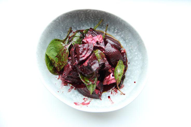 Geroosterde rode bietensalade