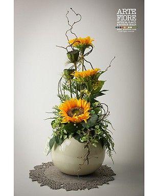 Composizione di Girasoli in vaso di ceramica sferico