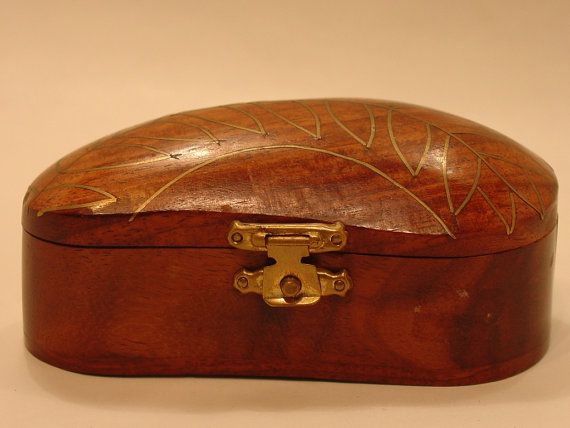 Wood Indian box with brass inlaid leaves design by myitaliandreams