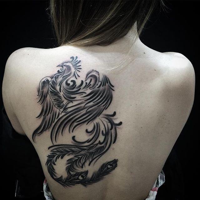 Confira nossa super seleção com 55 fotos de tatuagens de fênix lindas para você se inspirar — faça a escolha do desenho certo para a sua tattoo.
